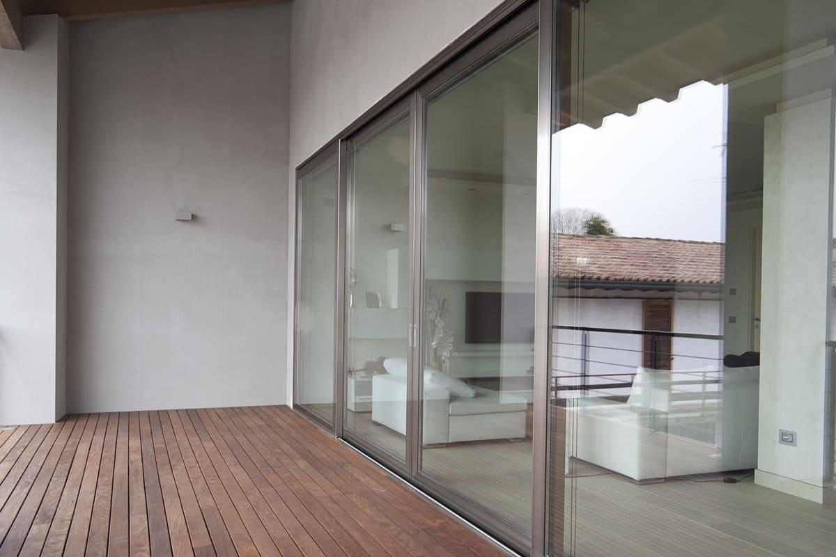 aluminium kozijnen in moderne woning