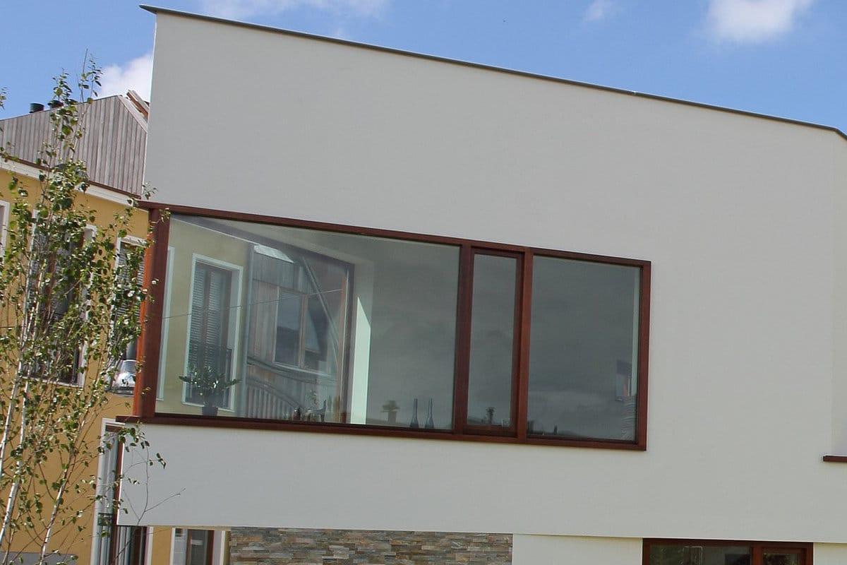 voorbeeld moderne woning houten raamprofiel